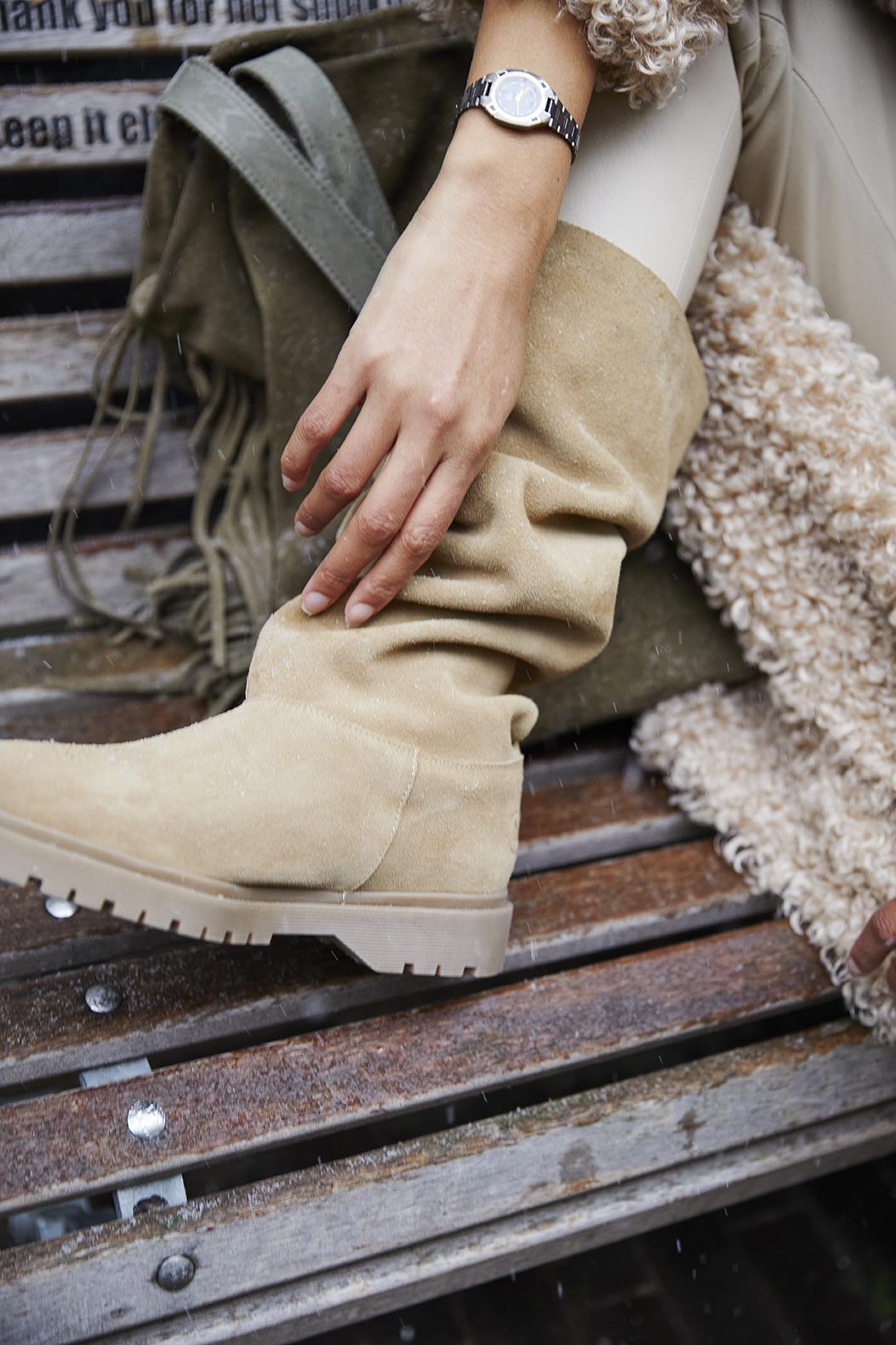basic baggy boots mushroom product LR